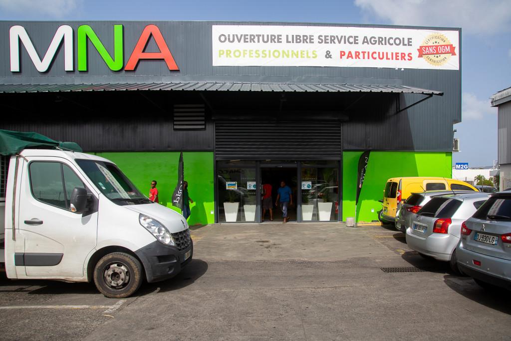 MNA - Entrée magasin libre service